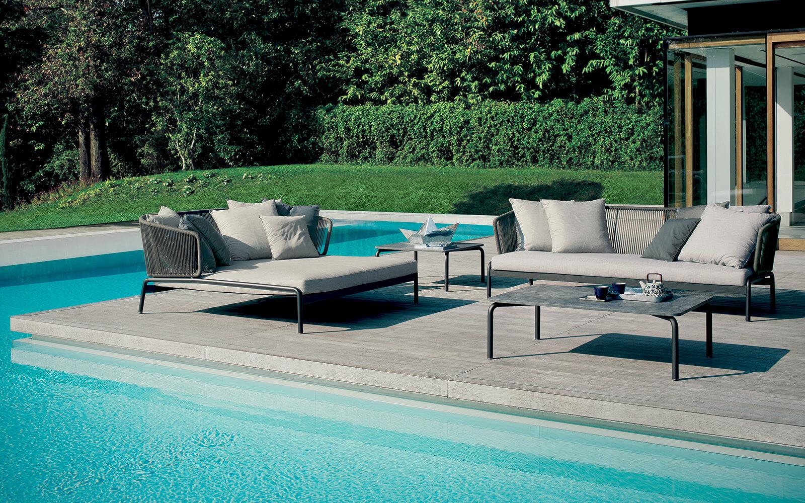 Spool sofa-coffee tables